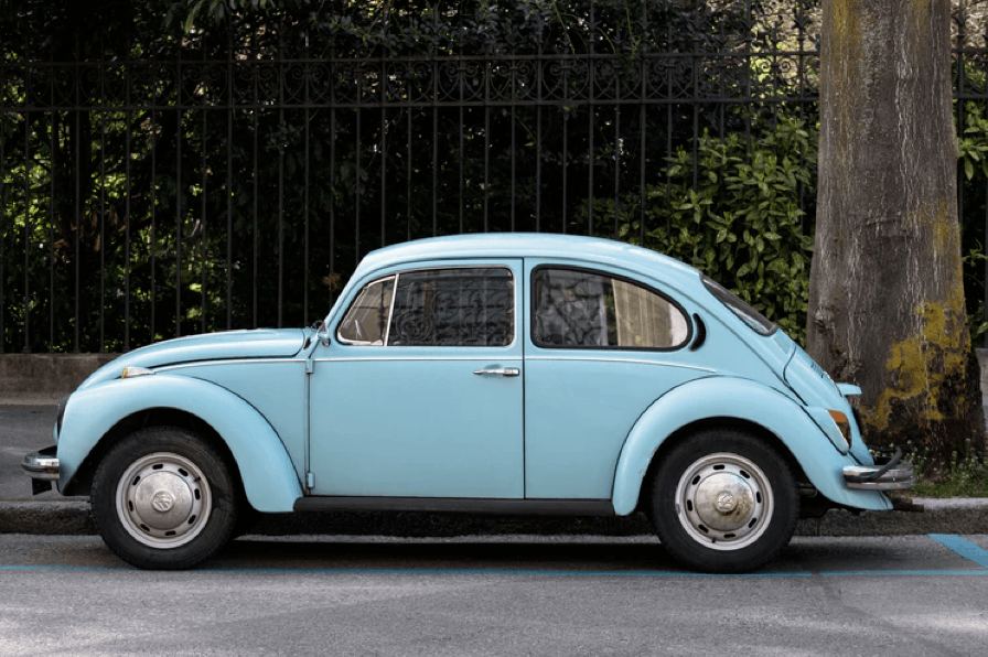 Klassieke lichtblauwe auto